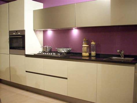 couleur aubergine cuisine cuisine couleur aubergine inspirations violettes en 71 idées