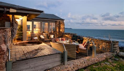 Buddha Beach House, Cornwall