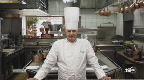 chef de cuisine definition paul bocuse célèbre chef cuisinier français est décédé à