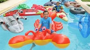 Jeux Gonflable Pour Piscine : piscine remplie de jeux gonflables g ants requin homard ~ Dailycaller-alerts.com Idées de Décoration