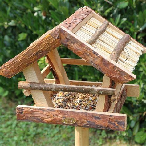 vogelfutterhaus mit ständer vogelfutterhaus selber bauen einfach vogelfutterhaus selber bauen bauanleitung vogelfutterhaus