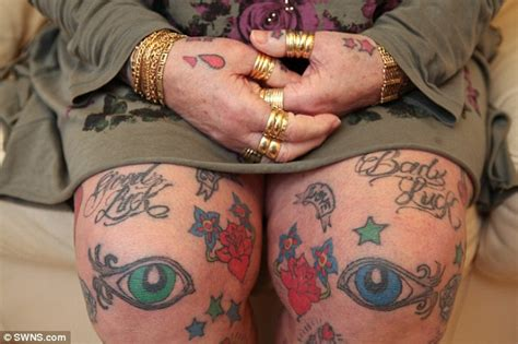 Obat Penghapus Tatto Di Badan nenek rock 13 cucu punyai ratusan tatu di badan