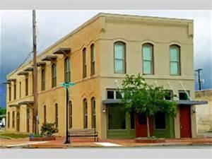 1717 5th Street Apt. A, Bay City, TX 77414 - Presented by ...