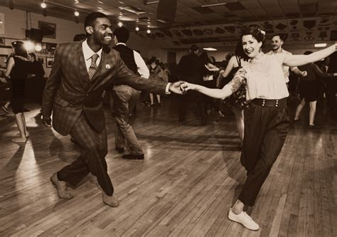 lindy hop vintage clothes and moves