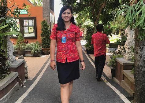 guru cantik di denpasar curi perhatian netizen jadi pengen salaman sama bu guru di depan