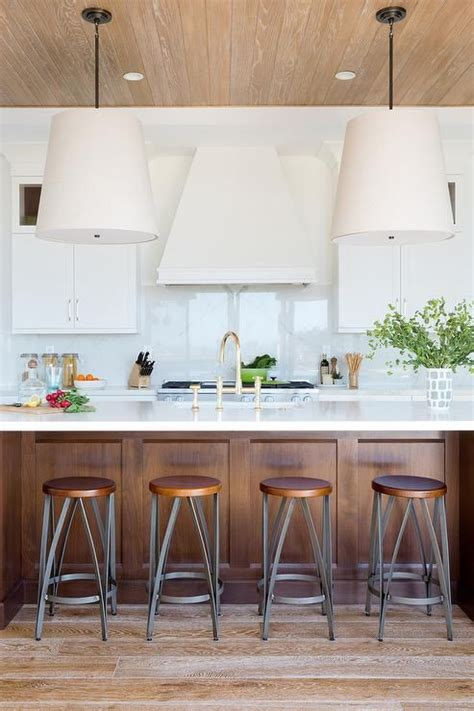 mixing kitchen cabinets 1000 images about kitchen dining white on 4175