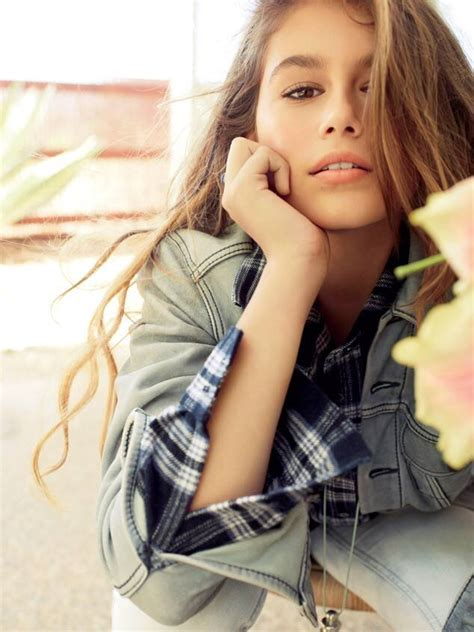 Cindy Crawfords Daughter Stuns In Teen Vogue E News