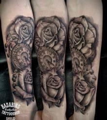 Tatouage Montre A Gousset Avant Bras : tatouage homme noir avant bras tuer auf ~ Carolinahurricanesstore.com Idées de Décoration