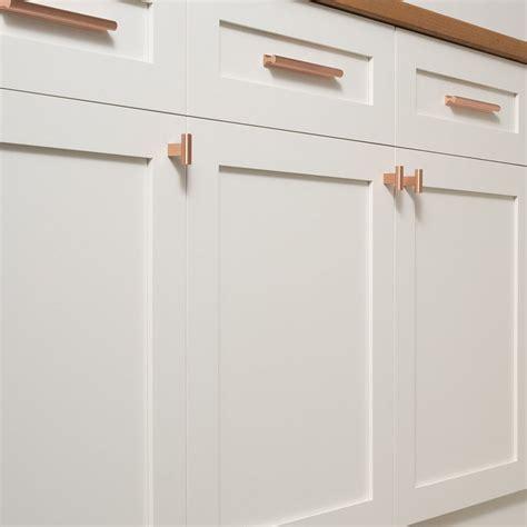 kitchen decor ideas  ways  add copper   kitchen