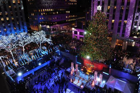 when does christmas start in new york 82nd annual rockefeller center tree lighting photos rockefeller tree lighting 2014
