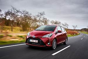 Toyota Yaris Dynamic Business : la nuova toyota yaris ibrida ~ Medecine-chirurgie-esthetiques.com Avis de Voitures