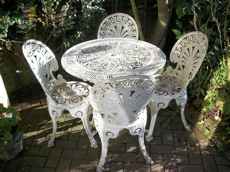 shabby chic pretty white metal garden table  chairs
