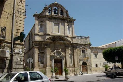 chiesa dei ladari a roma tentano alla chiesa carmine ma non riescono a