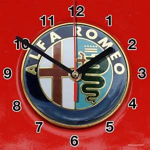 Logo Alfa 01m En Horloge Murale