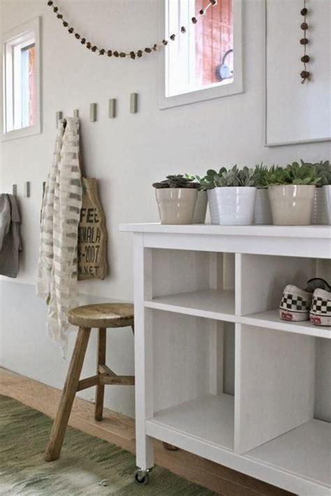 muebles de entrada ikea un recibidor decorado con muebles de ikea paperblog