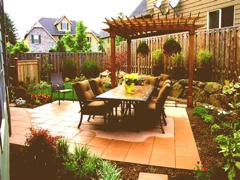 Backyard Ideas : Full Size Of Backyard Narrow Landscaping Ideas Decorating
