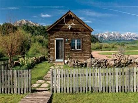 cabins in the mountains log cabin in the mountains small log cabin mountain small