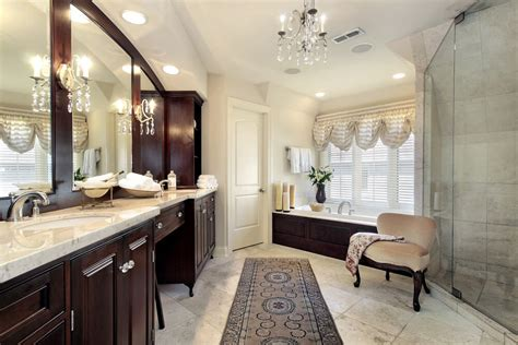 luxurious master bathrooms   incredible bathtubs
