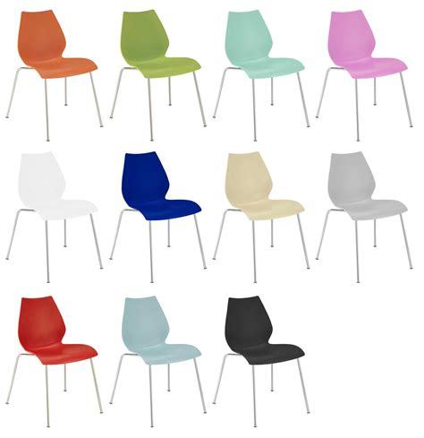 kartell chaises chaise empilable plastique pieds métal vert kartell