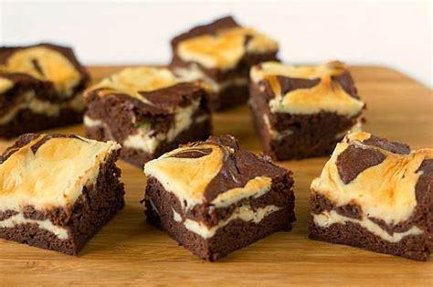Simak kreasi resep brownies kukus dan panggang berikut! Resep Kue Brownies Panggang Coklat Keju Sederhana