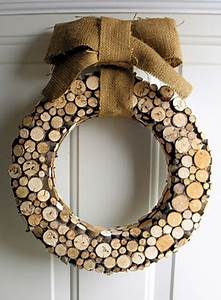 34 Cool Rustic Christmas Decorations And Wreaths - DigsDigs