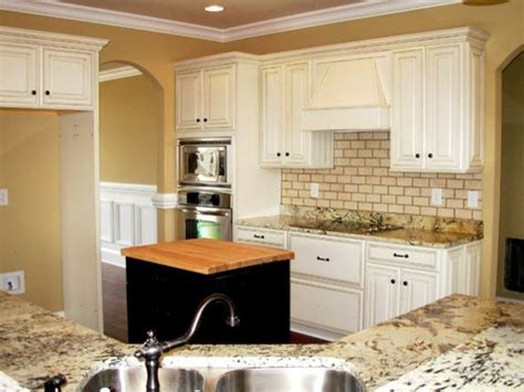 Distressing Kitchen Cabinets by Painted Distressed Kitchen Cabinets Traditional