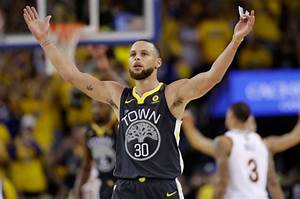 Stephen Curry dominates Game 2 of NBA Finals in Warriors win