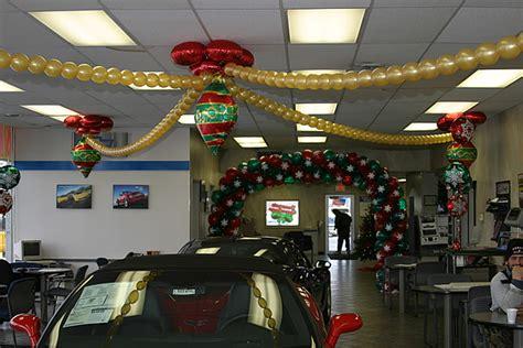 balloon sculptures auto dealers
