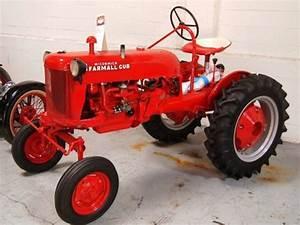 1948 Farmall Cub Tractor