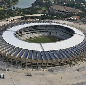 Stadien Der Wm 2014 : im dschungel brasilien baut das absurdeste wm stadion der welt welt ~ Markanthonyermac.com Haus und Dekorationen