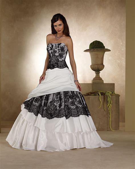 i heart wedding black and white lace wedding