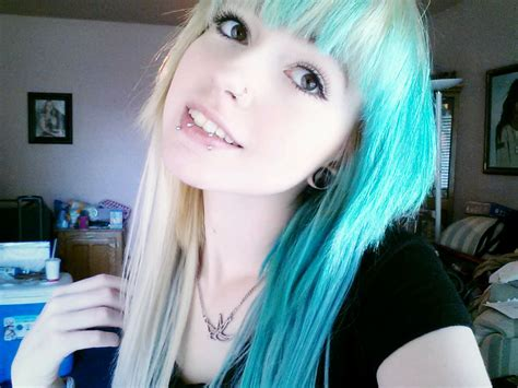 25beautiful Emo Hairstyles For Girls Design Trends