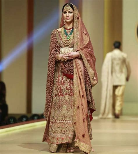 Latest Pakistan Fashion - HSY