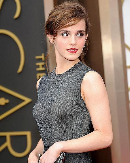 Oscars Emma Watson Makes Impact The Red Carpet