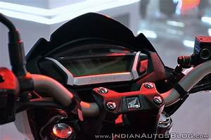Cb Auto : 2018 honda cb hornet 160r instrumentation at 2018 auto expo indian autos blog ~ Gottalentnigeria.com Avis de Voitures