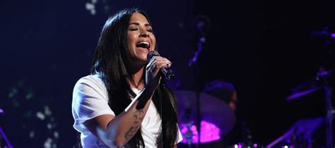 demi lovato appears  interview performance