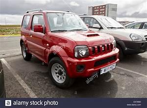 Suzuki Jeep Jimny : red suzuki jimny jeep hire car at keflavik airport iceland ~ Kayakingforconservation.com Haus und Dekorationen