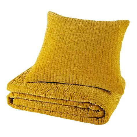 deco chambre mer coussin en velours piqué jaune moutarde 60 x 60 cm