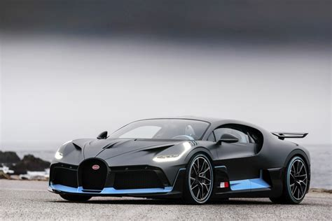 Mysterious $5million bugatti divo that no one can buy. 2018 Bugatti Divo 8.0 W16 (1500 PS) AWD DSG | Technische Daten, Verbrauch, Spezifikationen, Maße