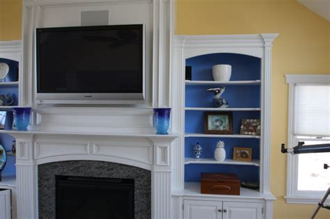 Fireplace mantel / wall unit   Traditional   Living Room