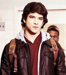 Tyler Posey as Scott McCall, teen wolf | Doesn't need a ...