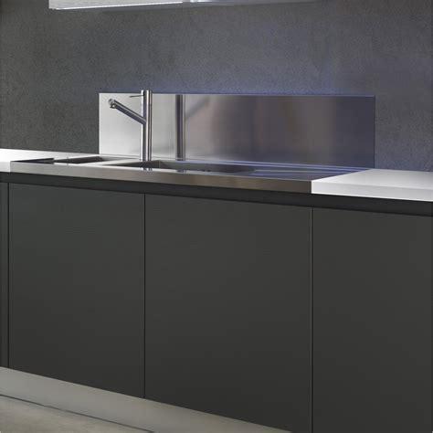credence inox cuisine modele credence cuisine armoires de cuisine blanches