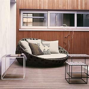 Gaile guevara modern outdoor furniture part 1 for Outdoor designer furniture