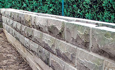 fundament für gartenmauer natursteinmauer selbst de