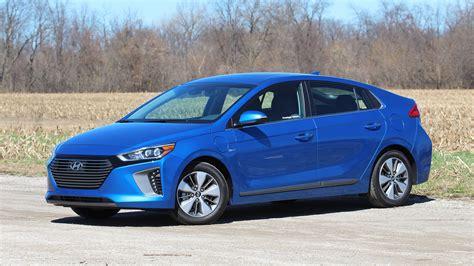 Hyundai In by 2018 Hyundai Ioniq In Prototype Review Move Prius