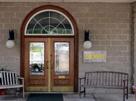 the door restaurant new york front door to restaurant picture of dockers seafood and
