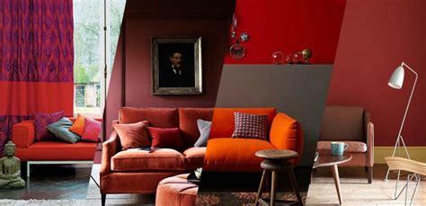 sofa vermelho queimado 15 salas vermelhas trazem dicas para usar a cor na