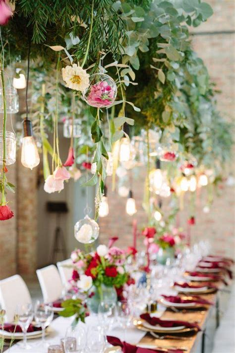 21 Stunning Examples of Wedding Lighting Decor That You