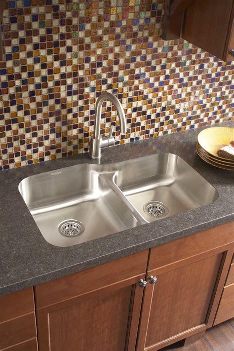 Undermount Sinks   Delorie Countertop & Doors