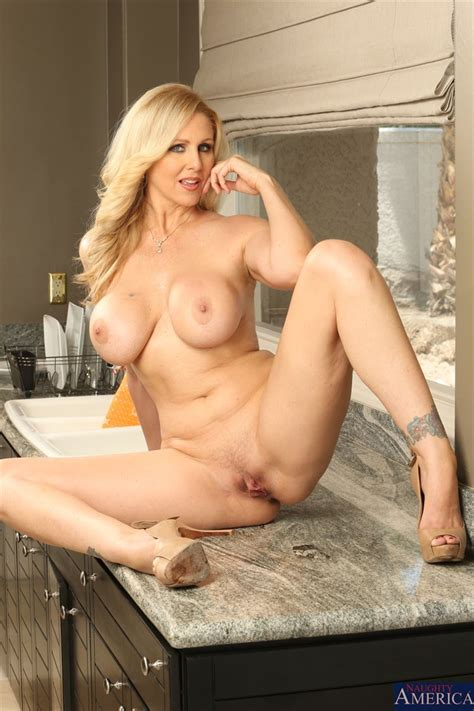 Hot Milf Julia Ann Gets Banged Hard In The Kitchen Picture 07